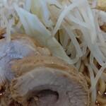 麺や厨 - BOSS二郎豚増し(大盛) アップ