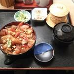 玄海寿司 - ばらちらし丼 990円