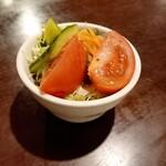 隣の洋食屋さん ブラボーパパ - ミニサラダ 200円