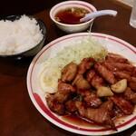 一楽 - トンテキ定食(1430円)
