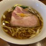 想 - 料理写真:芳醇醤油ラーメン