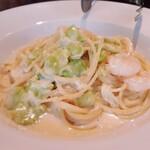 キャボロカフェ - 海老とそら豆のクリームパスタ