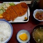 尾山屋 - 料理写真:『カツ定食』(税込み970円)