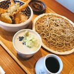 なかやしき - 料理写真:昼の小海老天丼セット(せいろ)