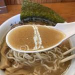 麺や 阿闍梨 - スープ