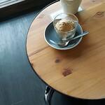 エンバンクメントコーヒー - 浅煎りコーヒーのルワンダ、オトナ美味しい、エスプレッソアイスクリーム