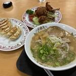 餃子の王将 - 餃子の王将ラーメン+チューリップ+餃子