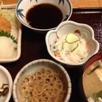 酒房長谷川 - 小鉢(キンピラと春雨サラダ)
