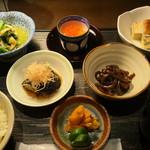 桜ヶ丘 - おばんざい五品 いろいろな味を楽しみたい方に