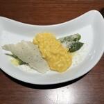 150136968 - 前菜:アスパラガスのミモザ風