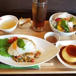 たっぷり野菜のベトナム食堂 SAIGON CAFE - ガパオライスランチ(ウーロン茶とプリンホイップなし)