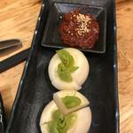 治郎丸 - サラダかぶの辛味噌添え
