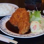 ステーキ・とんかつ 大吉 - 料理写真:ロースカツ定食ソース