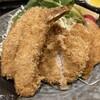 とんかつむさし - 料理写真:細かいパン粉のフライが美味