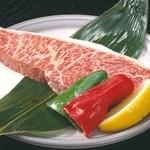 しちりん屋西院厨房 - サシがちょうどよく柔らか。「イチボの塩焼(ステーキカット)」¥1,380