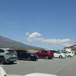 ココラデ - パン屋さんとは思えない広〜い駐車場