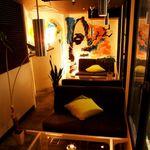 kawara CAFE&DINING - 半個室ソファー席