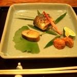 御料理 伊とう - ≪9月≫秋刀魚のはら焼き。鮎の子の甘露煮。くり渋皮煮。。。  ありふれた秋のお魚の秋刀魚・・・普通でも美味しいのですが、、、それが、伊とうさんでは、ビックリの美味しさでしたー。