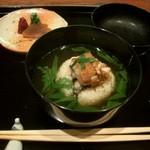 御料理 伊とう - ≪9月≫塗りのお椀の鰻のお茶漬け。信楽焼のお皿の香の物。