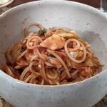 150160462 - 愛知県産真鯛と春キャベツ、オリーブのトマトソーススパゲティ―