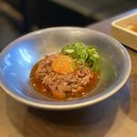 近江焼肉レストランすだく - 相方さんオーダーの赤身ユッケ。