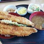 かもめ食堂 - 料理写真:穴子丼