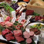 満月堂 - お肉もあります!