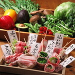 満月堂 - 人気の野菜肉巻き