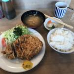 とんかつ とんき - 料理写真:ロースカツ定食(税込み1430円)