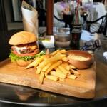THE FACTORY - メキシカンバーガー