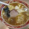 支那ソバ すずき - 料理写真:ワンタン麺(3個入り)