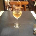 ビストロ エルエラ - で、お飲み物のついてきます(1杯だけど)