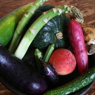 全国から産直で、有機自然栽培野菜が集まる和食店
