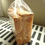 パン ド イル - 食パン 240円+税