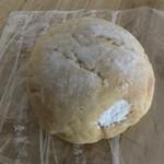 麦の香 - 料理写真:メロンパンホイップ150円