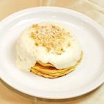 Puni - マカダミアンナッツソースパンケーキ