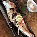 富田屋 - 料理写真:30㎝くらいの甘鯛1800えん