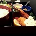 リリカル - 日替わりランチ(ミックスフライ)500円