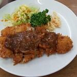 東洋軒 - 料理写真:ロースカツ定食
