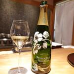 Chisousottakuito - 持ち込みのシャンパンで乾杯(ありがとうございます)
