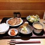 150216216 - 日替り定食 焼豚 980円