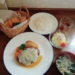 洋食屋 北の家族 - 日替りハンバーグランチ(チーズハンバーグ)+フライドポテト