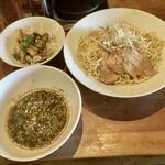 ダルマ - 料理写真:つけ麺(いりこ醤油味)と肉飯