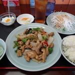 中華料理 萬福 - もつのピリ辛炒めランチ(580円)