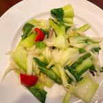 上海料理 寒舎 - 椎茸と野菜炒め