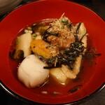 麻布永坂 更科本店 - まとう鯛の煮卸し