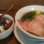 麺屋 ほぃ - 鶏清湯そば  温玉のせチャーシュー丼