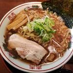 節系とんこつらぁ麺 おもと - パワー系中華そば 中 太チヂレ麺(850円)