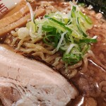 節系とんこつらぁ麺 おもと - パワー系中華そば 中 太チヂレ麺