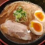 節系とんこつらぁ麺 おもと - 味玉節とん 並(830円)
